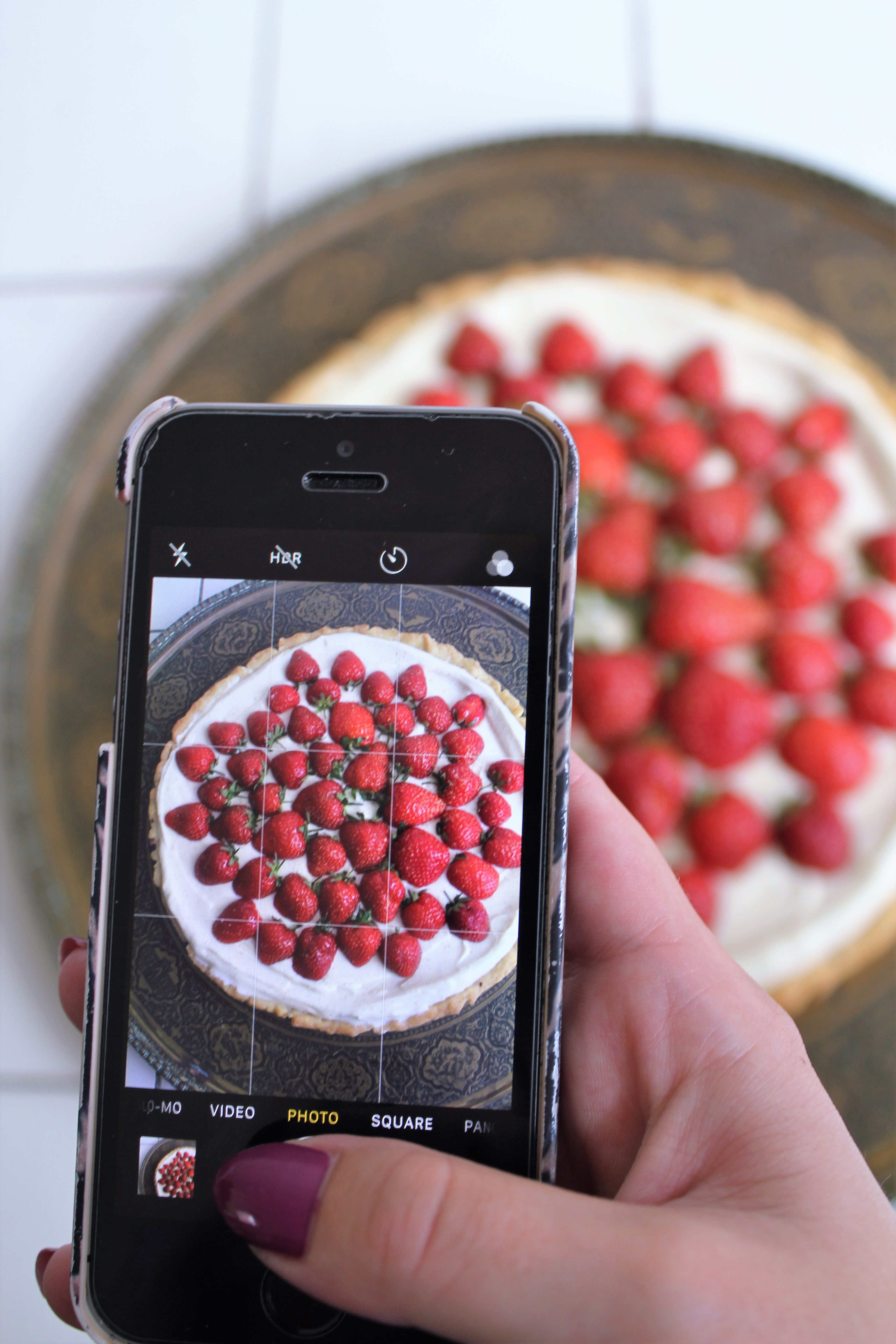 Jordbærkage med danske jordbær