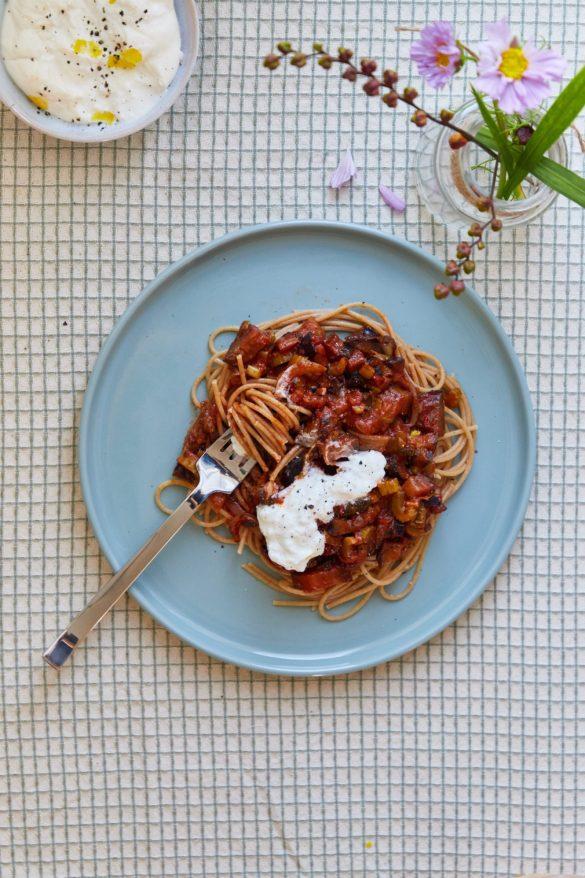 vegetarisk spaghetti bolognese med aubergine